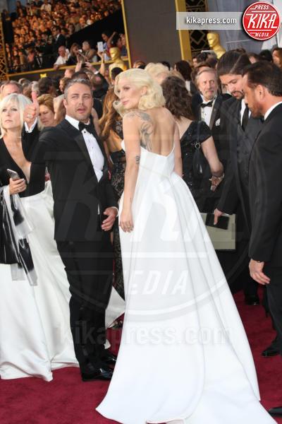 Taylor Kinney, Lady Gaga - Los Angeles - 28-02-2016 - Lady Gaga si sposa, matrimonio in Italia?