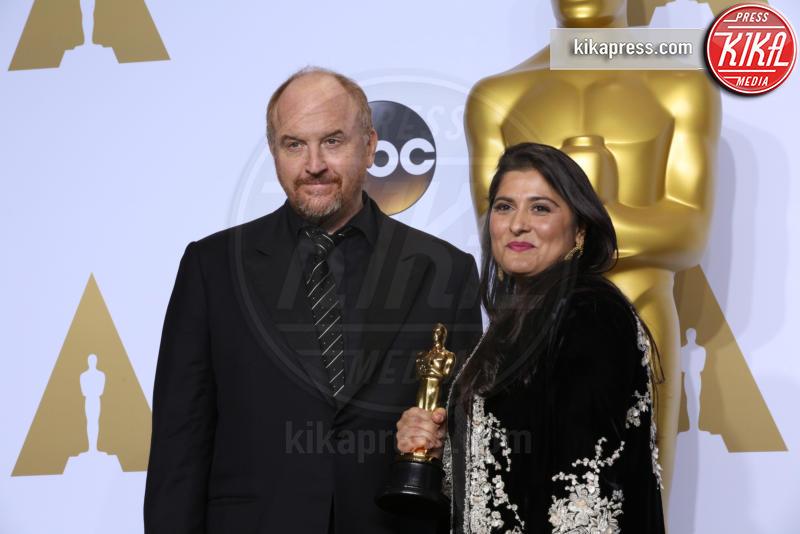 Sharmeen Obaid-Chinoy, Louis C.K. - Los Angeles - 29-02-2016 - Louis C.K. nella bufera: cinque donne lo accusano di molestie