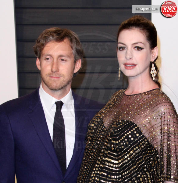 Adam Shulman, Anne Hathaway - Los Angeles - 28-02-2016 - Oscar 2016: il tradizionale party Vanity Fair