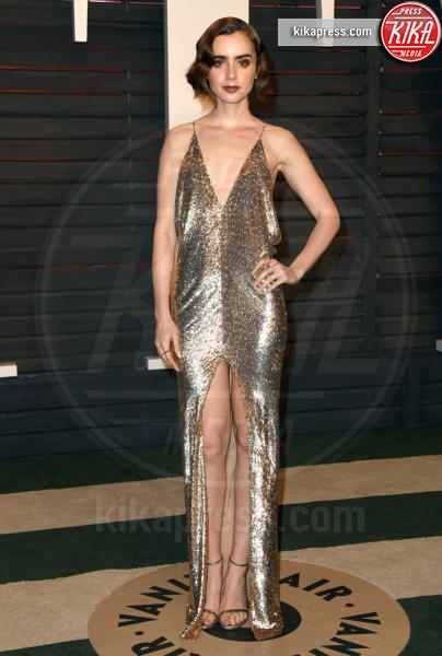 Lily Collins - Beverly Hills - 28-02-2016 - Natale e Capodanno: a ciascuna la sua forma e... il suo abito!