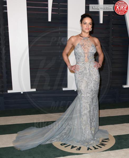 Michelle Rodriguez - Beverly Hills - 29-02-2016 - Michelle Rodriguez cambia sesso e si mostra ai fan con la barba