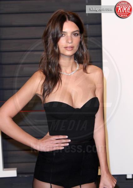 Emily Ratajkowski - Los Angeles - 28-02-2016 - Chi è questo angioletto? La donna più sexy al mondo