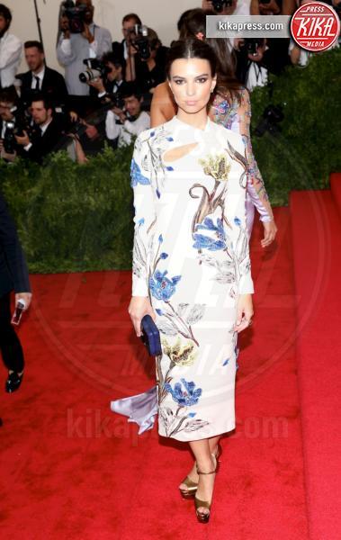 Emily Ratajkowski - New York - 04-05-2015 - Le celebrity? Sul red carpet e fuori sono regine di... fiori!