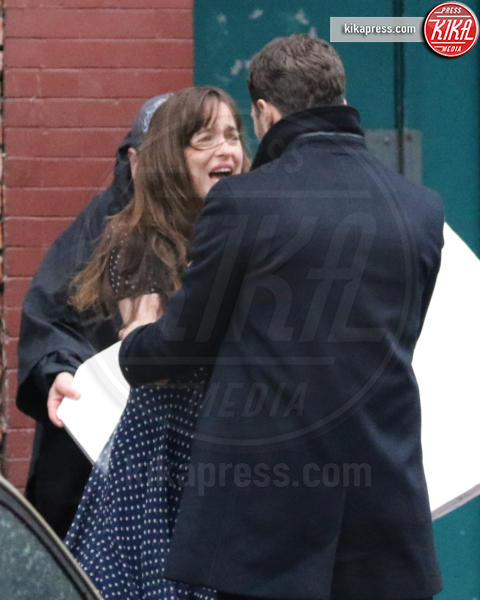 Dakota Johnson - Vancouver - 01-03-2016 - 50 Sfumature di Nero, sesso vero tra Dornan e Dakota Johnson?