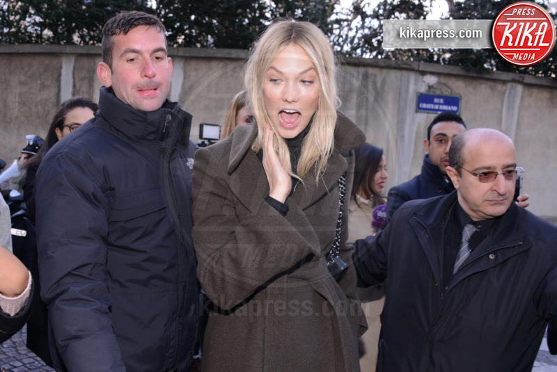 Karlie Kloss - Parigi - 03-03-2016 - Star come noi: che smorfiose, queste celebrity!