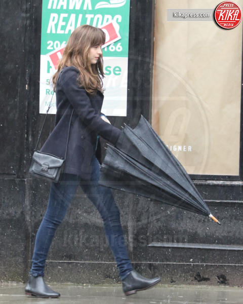 Dakota Johnson - Vancouver - 07-03-2016 - Cinquanta Sfumature di Pioggia a Vancouver