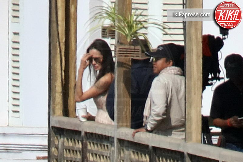Angelina Jolie - Siem Reap, Cambogia - 15-02-2016 - Angelina Jolie, filantropa sì, ma super-stressata!