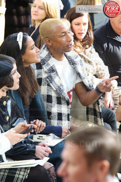 Pharrell Williams - Parigi - 08-03-2016 - Jada Pinkett Smith e la figlia Willow alla sfilata Chanel