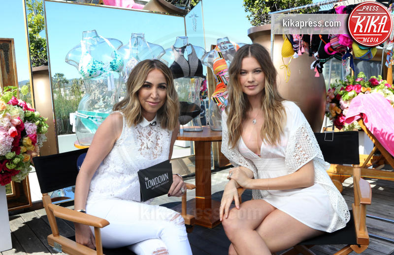 Diana Madison, Behati Prinsloo - Beverly Hills - 08-03-2016 - Behati Prinsloo torna bambina per Victoria's Secret