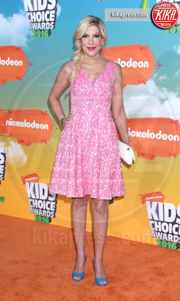 Tori Spelling - Inglewood - 12-03-2016 - Heidi Klum splendida in Versace ai Kids' Choice Awards