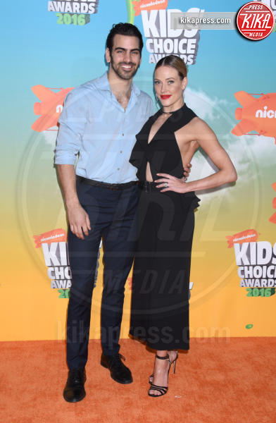 Nyle DiMarco, Peta Murgatroyd - Inglewood - 12-03-2016 - Heidi Klum splendida in Versace ai Kids' Choice Awards