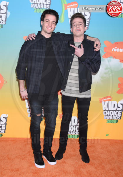 Stephen Puth, Charlie Puth - Inglewood - 12-03-2016 - Heidi Klum splendida in Versace ai Kids' Choice Awards