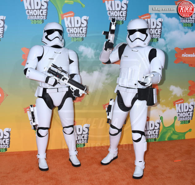 Storm Troopers - Inglewood - 12-03-2016 - Heidi Klum splendida in Versace ai Kids' Choice Awards