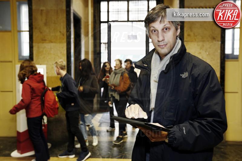 Fabio Landi - Milano - 11-03-2016 - Al liceo Parini di Milano gli studenti entrano con il badge