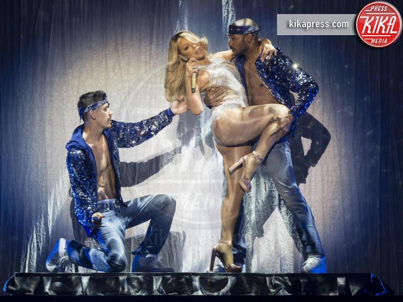 Mariah Carey - Glasgow - 15-03-2016 - Rihanna: