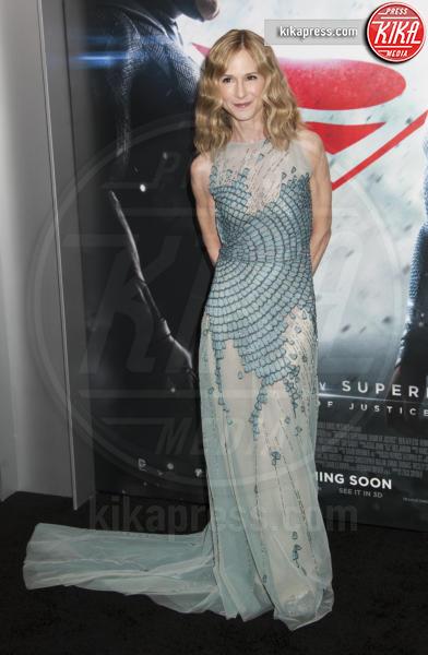 Holly Hunter - New York - 21-03-2016 - Batman v Superman: è giunto il momento