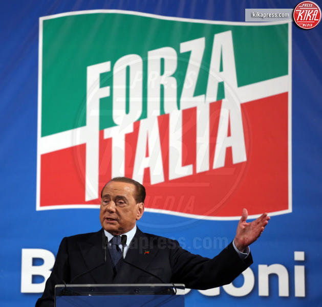 Silvio Berlusconi - Palermo - 19-03-2016 - Silvio Berlusconi, in 2000 lo accolgono al Politeama di Palermo