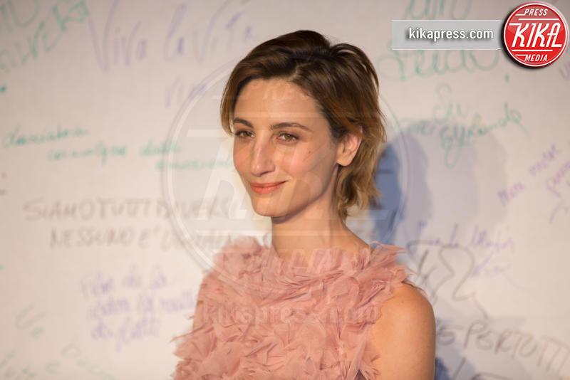 Francesca Inaudi - Roma - 23-03-2016 - I vip di spettacolo e politica alla prima di Un Bacio