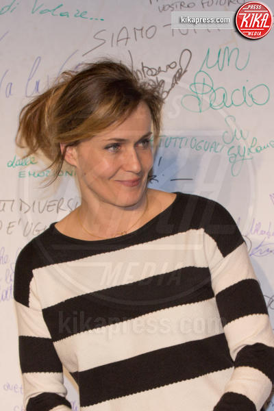 Lucia Mascino - Roma - 23-03-2016 - I vip di spettacolo e politica alla prima di Un Bacio