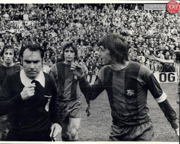 Johan Cruyff - 13-02-1975 - Addio Johan Cruyff, la leggenda del calcio muore a 68 anni