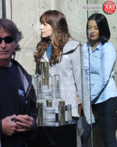 Dakota Johnson - Vancouver - 04-04-2016 - 50 Sfumature di Nero, sesso vero tra Dornan e Dakota Johnson?