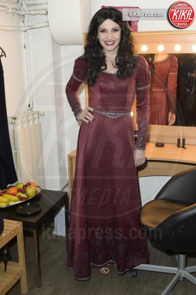 Lorella Cuccarini - Roma - 06-04-2016 - Lorella Cuccarini, addio al biondo: per Rapunzel si è fatta mora