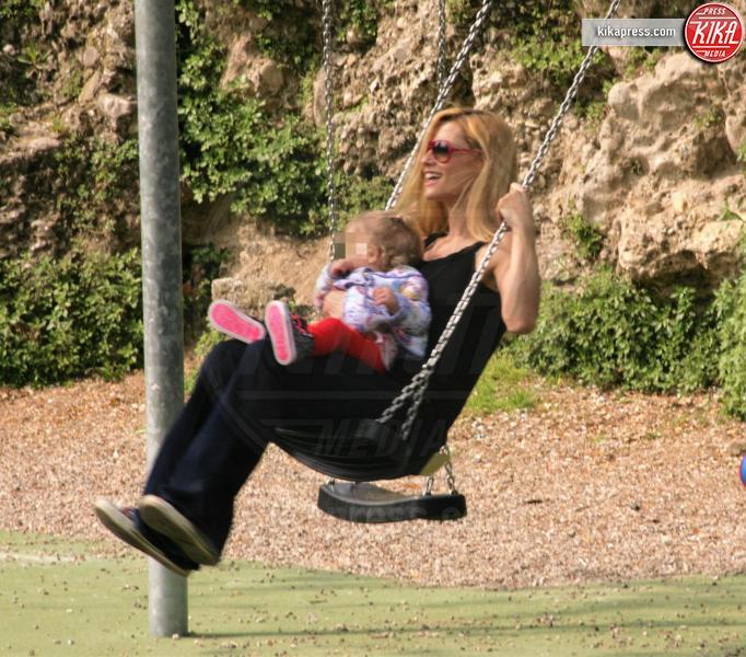 Celeste Trussardi, Michelle Hunziker - Roma - 07-04-2016 - Star come noi: amore, vieni che ti porto al parco!