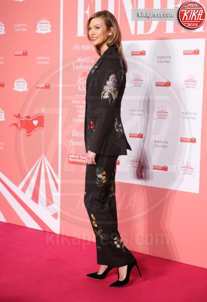 Karlie Kloss - Londra - 20-02-2016 - Chi lo indossa meglio: Kate Upton o Karlie Kloss?