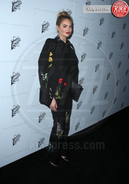 Kate Upton - Hollywood - 12-01-2016 - Chi lo indossa meglio: Kate Upton o Karlie Kloss?