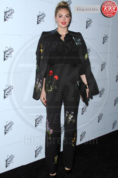 Kate Upton - Los Angeles - 12-01-2016 - Chi lo indossa meglio: Kate Upton o Karlie Kloss?