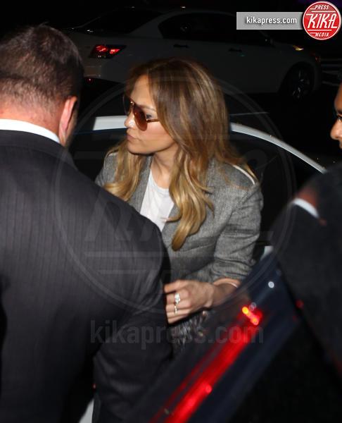 Emme Maribel Muniz, Jennifer Lopez - Los Angeles - 07-04-2016 - Jennifer Lopez incide una canzone per le vittime di Orlando