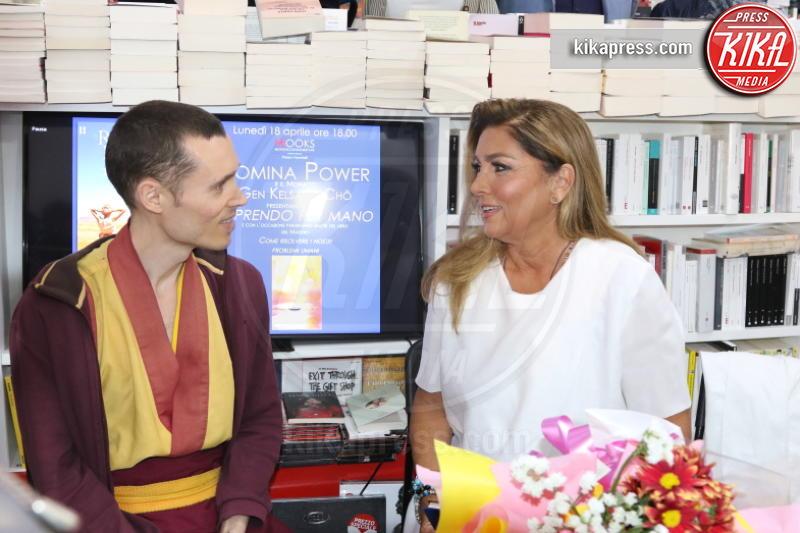 Gen Kelsang Cho, Romina Power - Napoli - 18-04-2016 - Ti prendo per mano, parola di Romina Power
