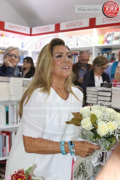 Romina Power - Napoli - 18-04-2016 - Ti prendo per mano, parola di Romina Power