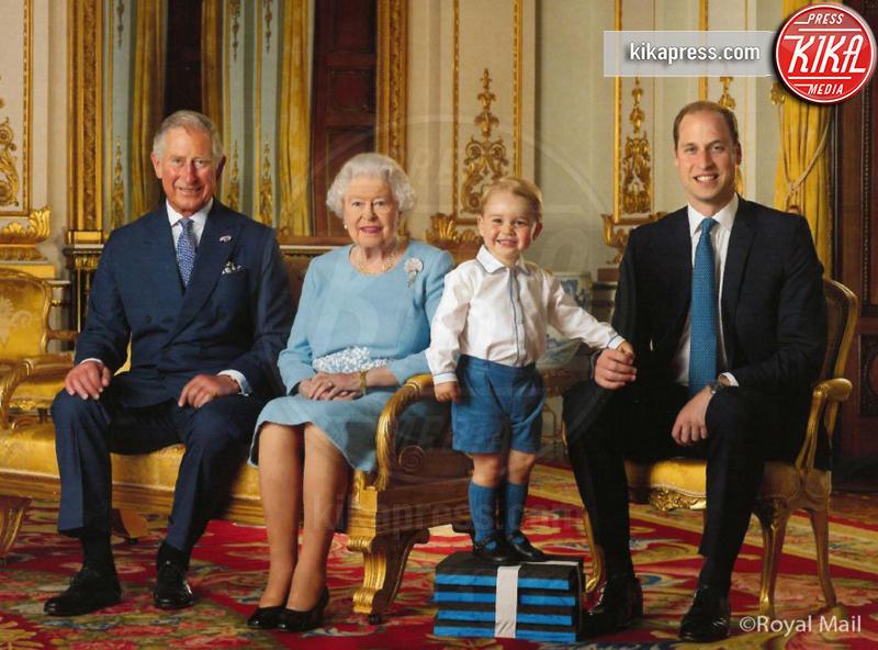 Principe George, Principe Carlo d'Inghilterra, Regina Elisabetta II, Principe William - Londra - 20-04-2016 - Principino George: le sette foto che lo hanno resto una star