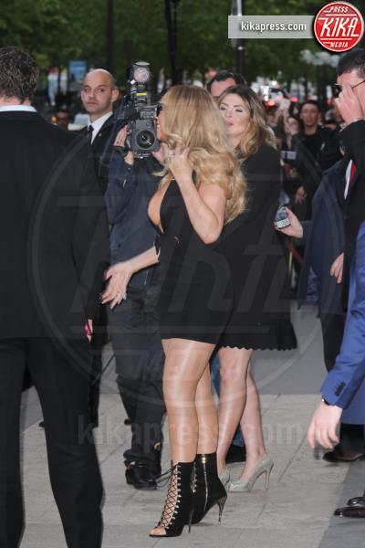 Mariah Carey - Parigi - 21-04-2016 - Il wardrobe malfunction colpisce ancora