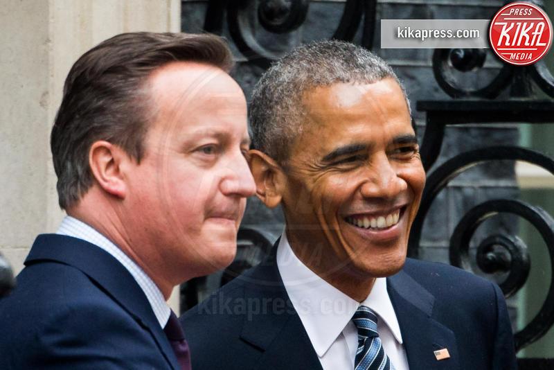 David Cameron, Barack Obama - Londra - 21-04-2016 - David Cameron accoglie Obama con un abbraccio