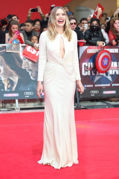 Elizabeth Olsen - Londra - 26-04-2016 - Captain America: Civil War, gli Dei Marvel sbarcano a Londra