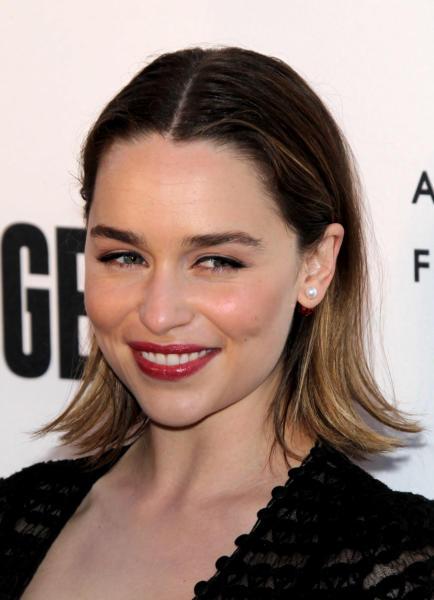 Emilia Clarke - Century City - 21-04-2016 - Il Trono di Spade 6, buone notizie (e sì, Emilia Clarke è nuda)