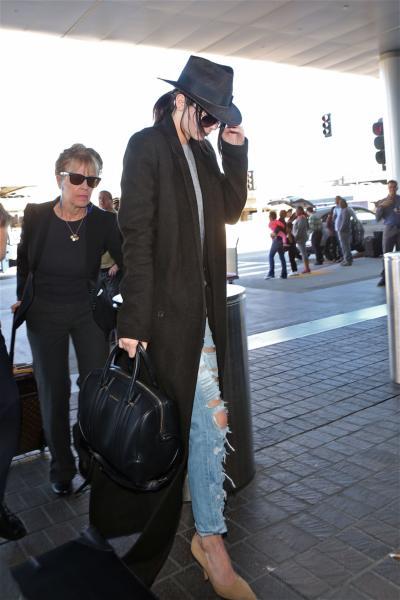 Kendall Jenner - Los Angeles - 23-01-2015 - Vic Beckham, la più chic in aeroporto secondo British Airways