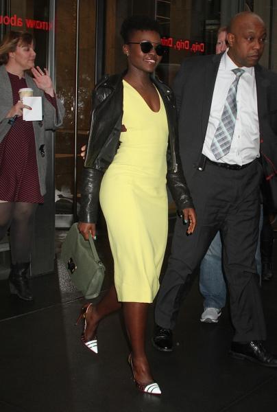 o, Lupita Nyong'o - New York - 02-12-2015 - Vic Beckham, la più chic in aeroporto secondo British Airways