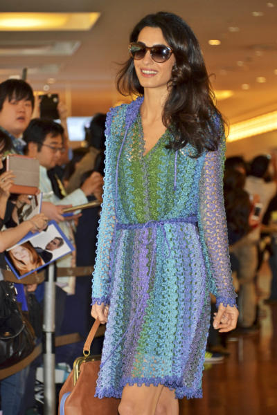Amal Alamuddin Clooney - Tokyo - 24-05-2015 - Vic Beckham, la più chic in aeroporto secondo British Airways
