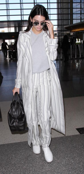 Kendall Jenner - Los Angeles - 21-01-2016 - Vic Beckham, la più chic in aeroporto secondo British Airways