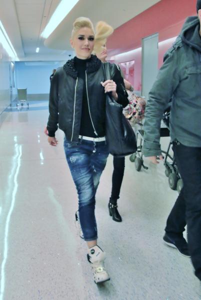 Gwen Stefani - Los Angeles - 26-02-2016 - Vic Beckham, la più chic in aeroporto secondo British Airways