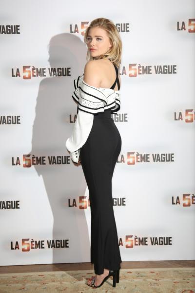 Chloe Grace Moretz - Parigi - 20-01-2016 - Chi lo indossa meglio? Chloe Grace Moretz e Kat Graham