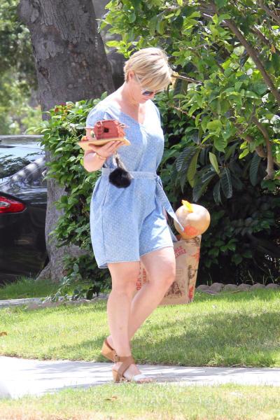 Jennie Garth - Los Angeles - 28-04-2016 - Star come noi: i vip che fanno su e giù dalla bilancia