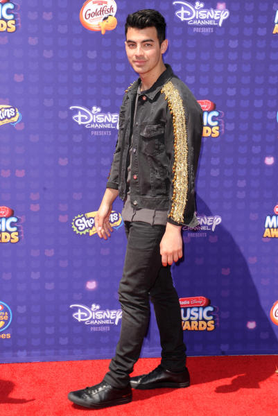 Joe Jonas - Los Angeles - 30-04-2016 - Disney: la nipotina di Gwen Stefani già una fashion victim