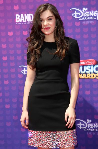 Hailee Steinfeld - Los Angeles - 30-04-2016 - Disney: la nipotina di Gwen Stefani già una fashion victim