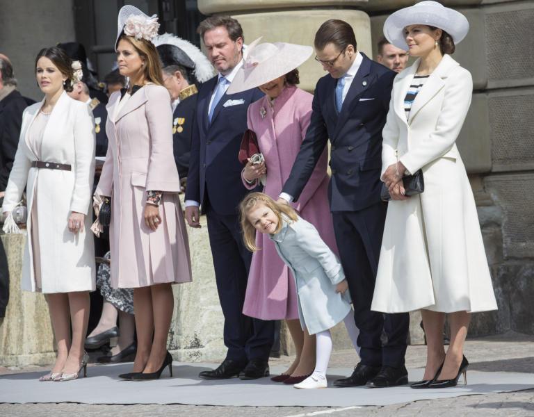 Principessa Estelle di Svezia, Principessa Sofia di Svezia, Principessa Madeleine di Svezia, Principessa Vittoria di Svezia - Stoccolma - 30-04-2016 - Principessa Estelle, che barba queste feste reali!