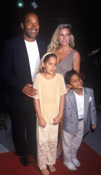 Nicole Brown, OJ Simpson - Hollywood - 16-03-1994 - O.J. Simpson torna libero dopo nove anni in carcere