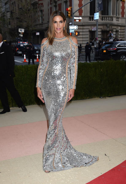 Cindy Crawford - New York - 02-05-2016 - Taylor Swift argento vivo ai MET Gala 2016